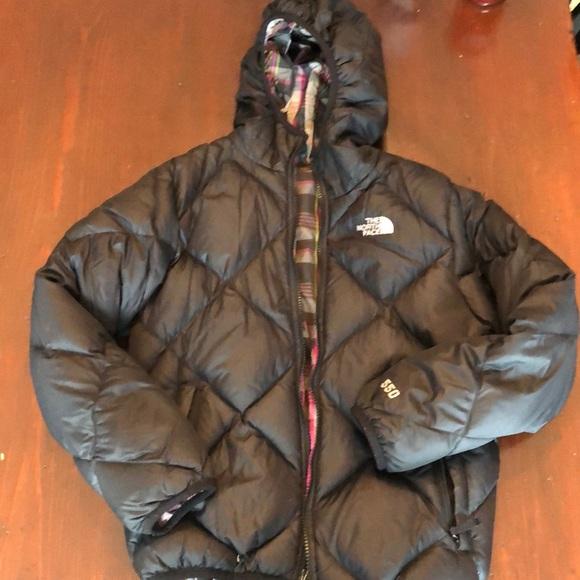 bfd0da900ed2 Girls 10 12 reversible North Face Coat
